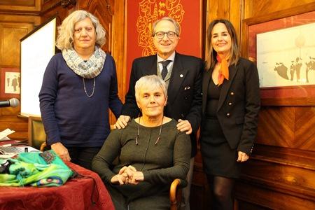 De pie desde la izquierda, María Ángeles Rodríguez-Arenas, Ricardo Franco Vicario y Magdalena Múgica y, sentada, Leonor Aurrekoetxea